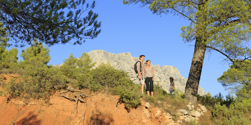 Walks and hiking tours in aix region aix en provence tourist office - Aix en provence tourist office ...