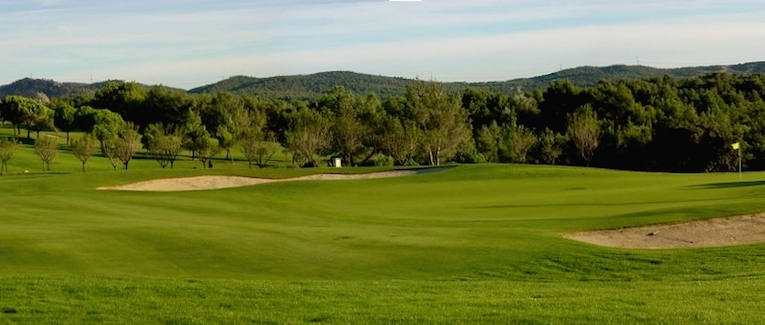 Golfs aix en provence office de tourisme - Pont royal en provence office du tourisme ...